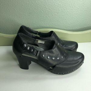 Dansko shoes heel women size 38 US 7 black leather